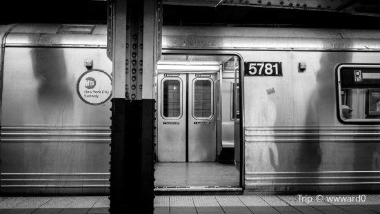 DeKalb Avenue Subway Station
