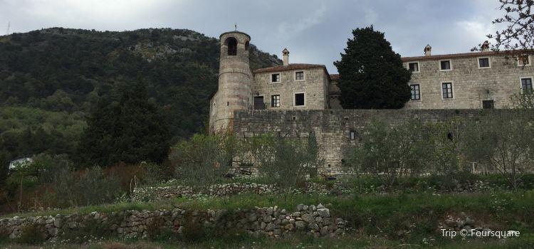 Podmaine Monastery3