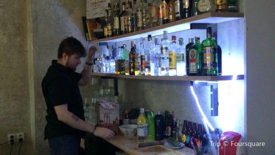 Ne/Pokoj Bar