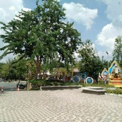 Wachira Benchathat Park (Rot Fai Park) User Photo