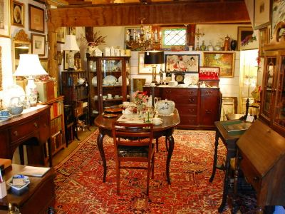 Monna Agnese Antique Shop