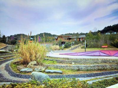 Xunlong River Ecological Art Town
