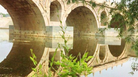 Xianxian Danqiao Stone Bridge