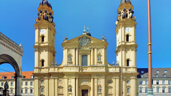 Theatinerkirche St. Kajetan