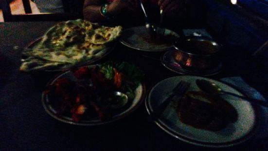 Almond's Cafe & Restaurant