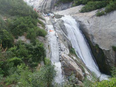 天景山大峡谷漂流