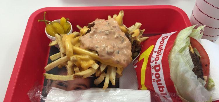 In-N-Out Burger (4888 Dean Martin Dr)1