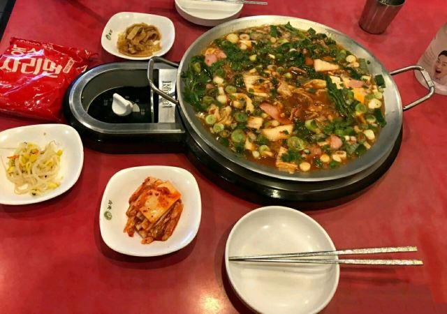 樂伯部隊鍋(明洞店)