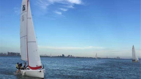 香山航舵遊艇帆船俱樂部