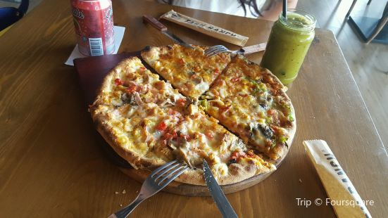 Farm Ranch Pizza