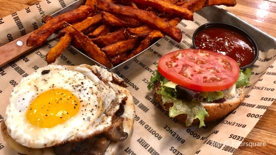 Brome Burgers & Shakes