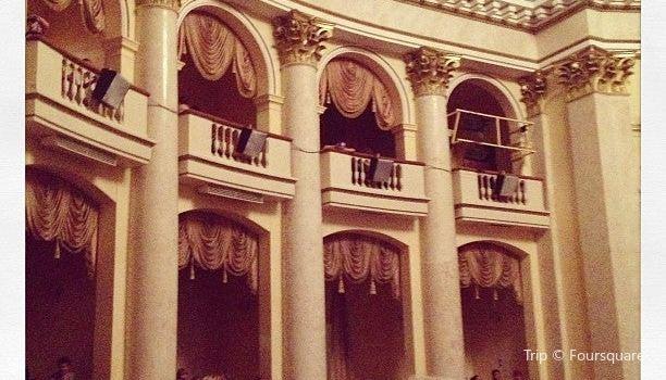 Zimniy劇院3