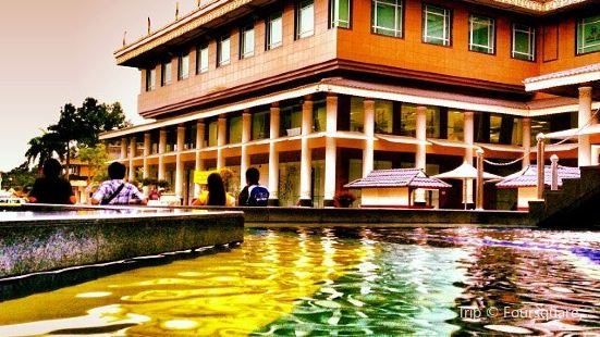 Yayasan Sultan Haji Hassanal Bolkiah Complex