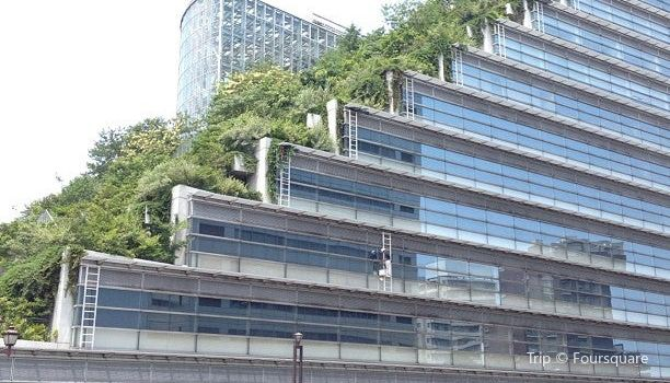 Acros Fukuoka1