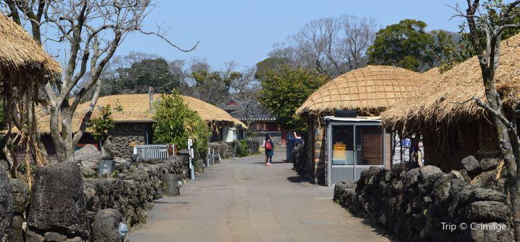 Jeju Folk Village1