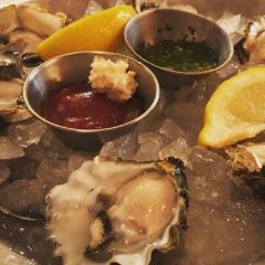 EMC Seafood & Raw Bar Koreatown User Photo