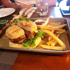Cousin's Burger & Coffee User Photo