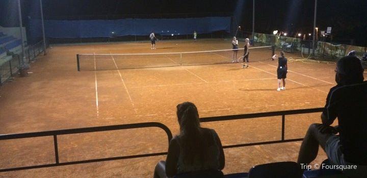 Tennis center Makarska1