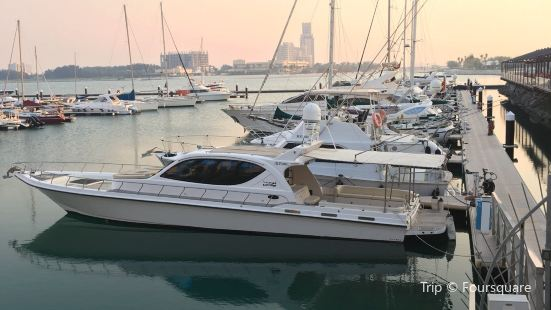 Al Hamra Marina & Yacht club