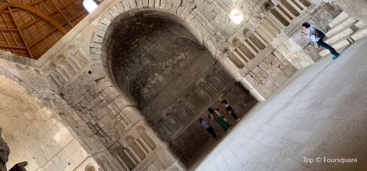 Umayyad Monumental Gateway2