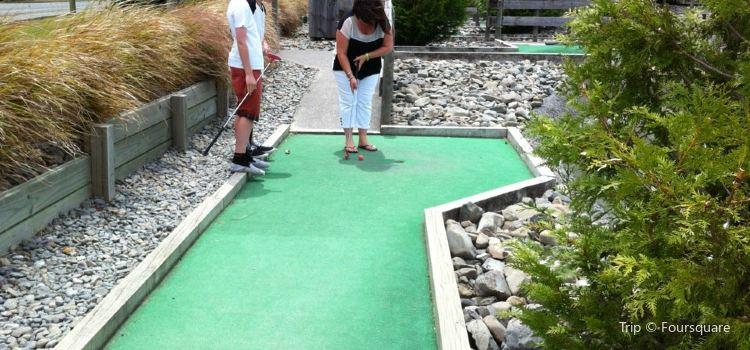A Maze N Golf1