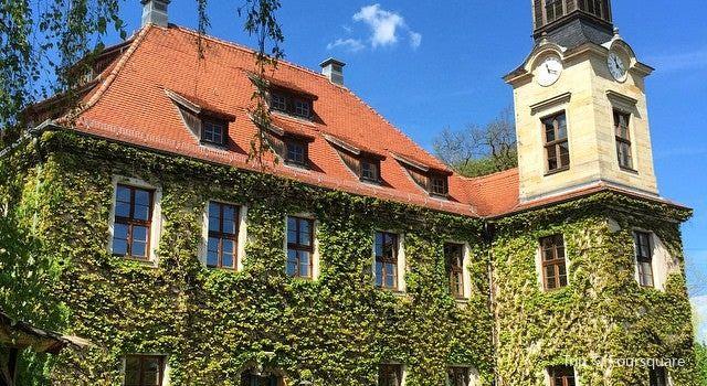 Schloss Nickern1