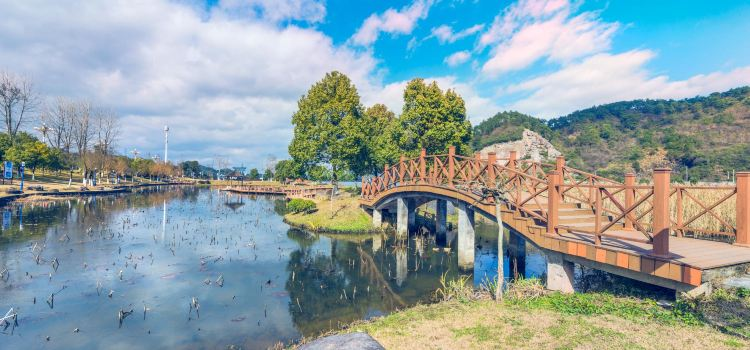 Xin'anjiang Binshui Scenic Resort Area