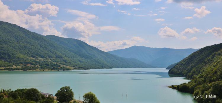 Ananuri 湖1