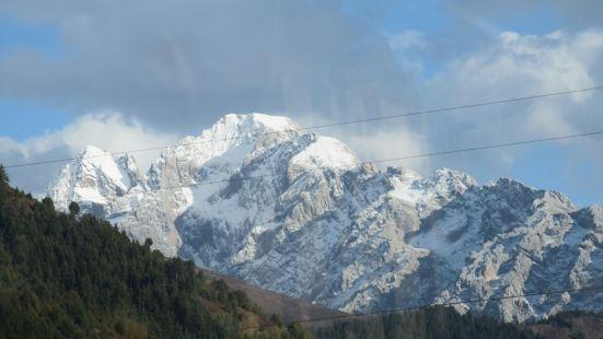 雅克夏雪山