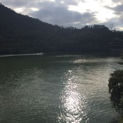 옌즈링 낚시터 여행 사진