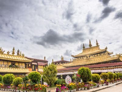 トゥルナン寺