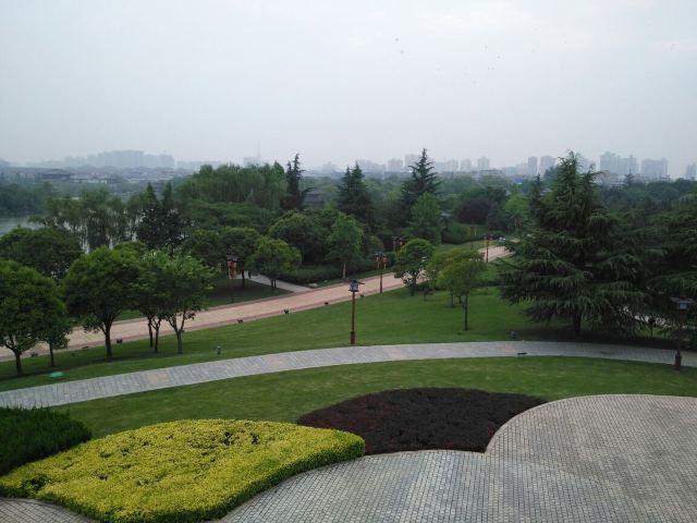다탕푸룽위안(대당부용원)