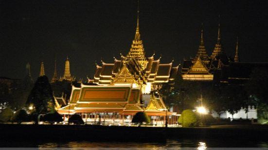 昭披耶號夜遊湄南河