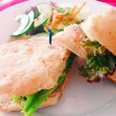 Macaron Tango Cafe User Photo