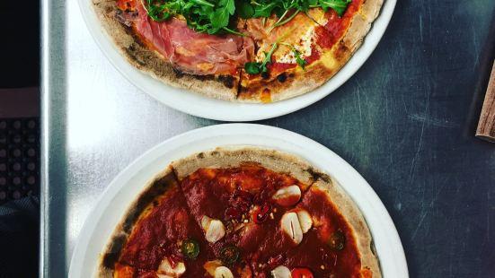 Otto Enoteca & Pizzeria