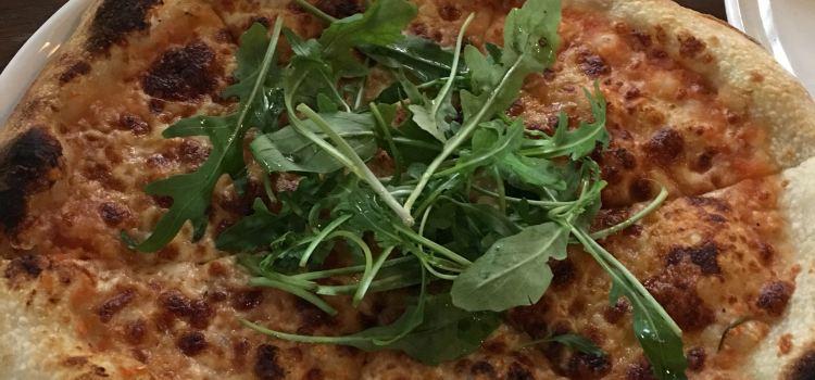 Yin's Sourdough Pizza1