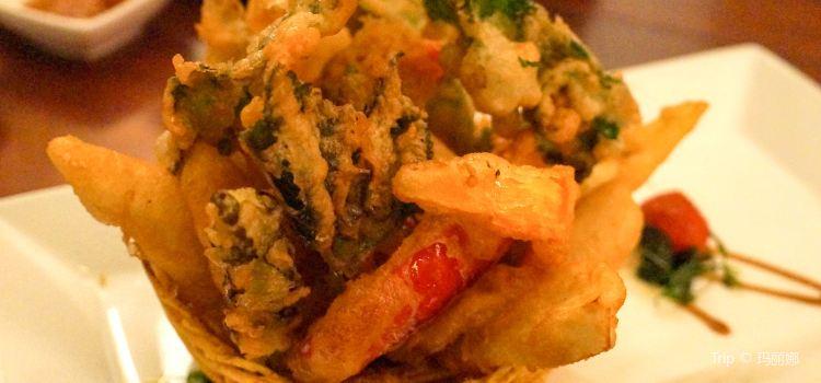 Hum Vegetarian Cafe & Restaurant1