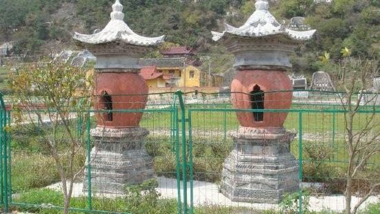 靈鷲寺單簷塔