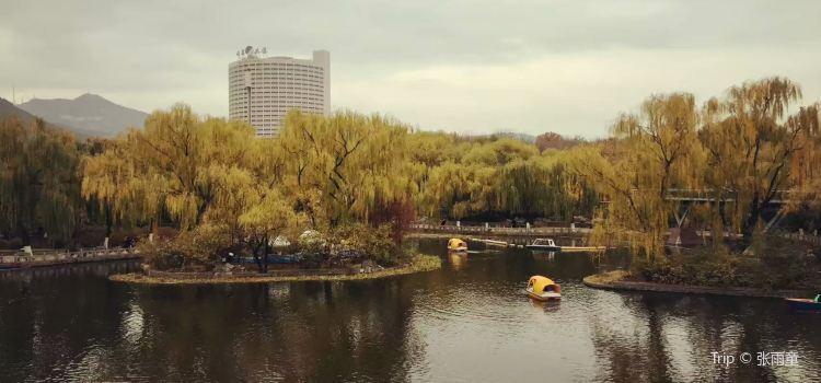 Quancheng Park1