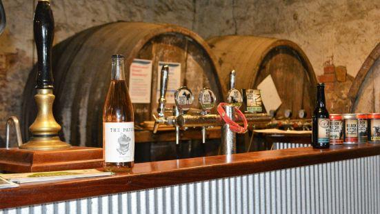 Box Stallion Wines