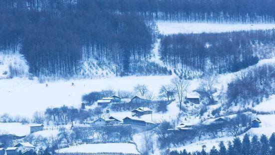 Linjiang Zhenzhumen Scenic Area