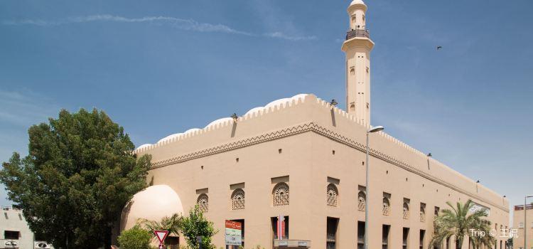 The Grand Mosque in Dubai1