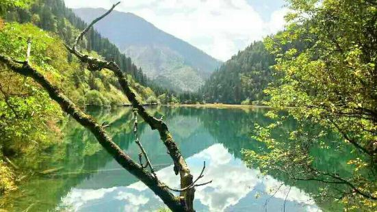 鎖石農業生態旅遊村