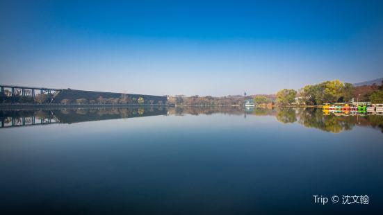Qianhu Park