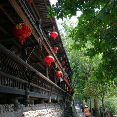 류지앙 구쩐 여행 사진