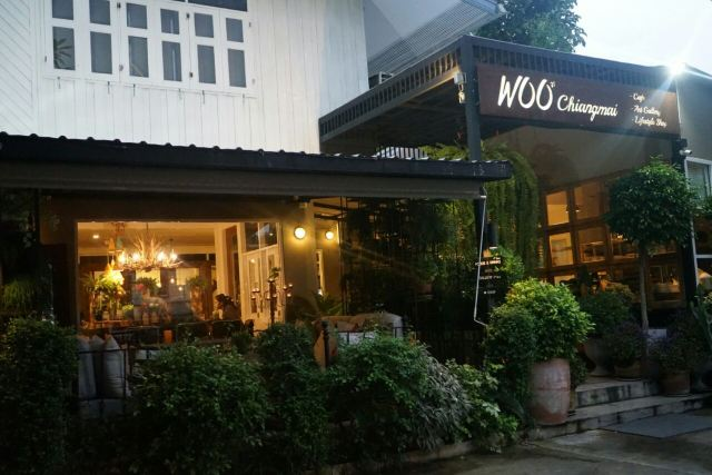 Woo Cafe & Art Gallery