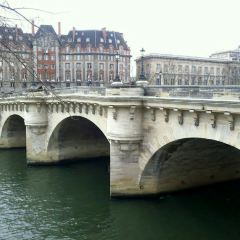 Pont Neuf User Photo