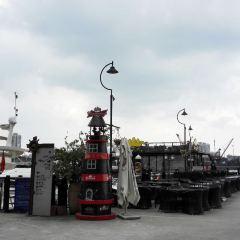 Butterfield & Swire's Godowns & Wharf User Photo