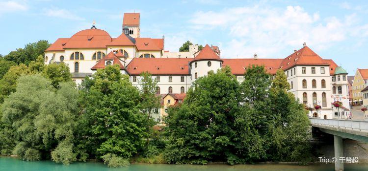 Hohes Schloss1