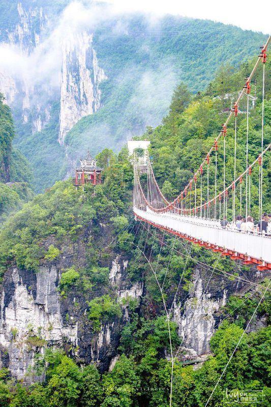 國內還有這樣的神仙祕境!比九寨溝更迷人小眾,搭高鐵就能去!